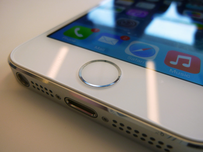 Apple gives iOS app developers more time to encrypt communications